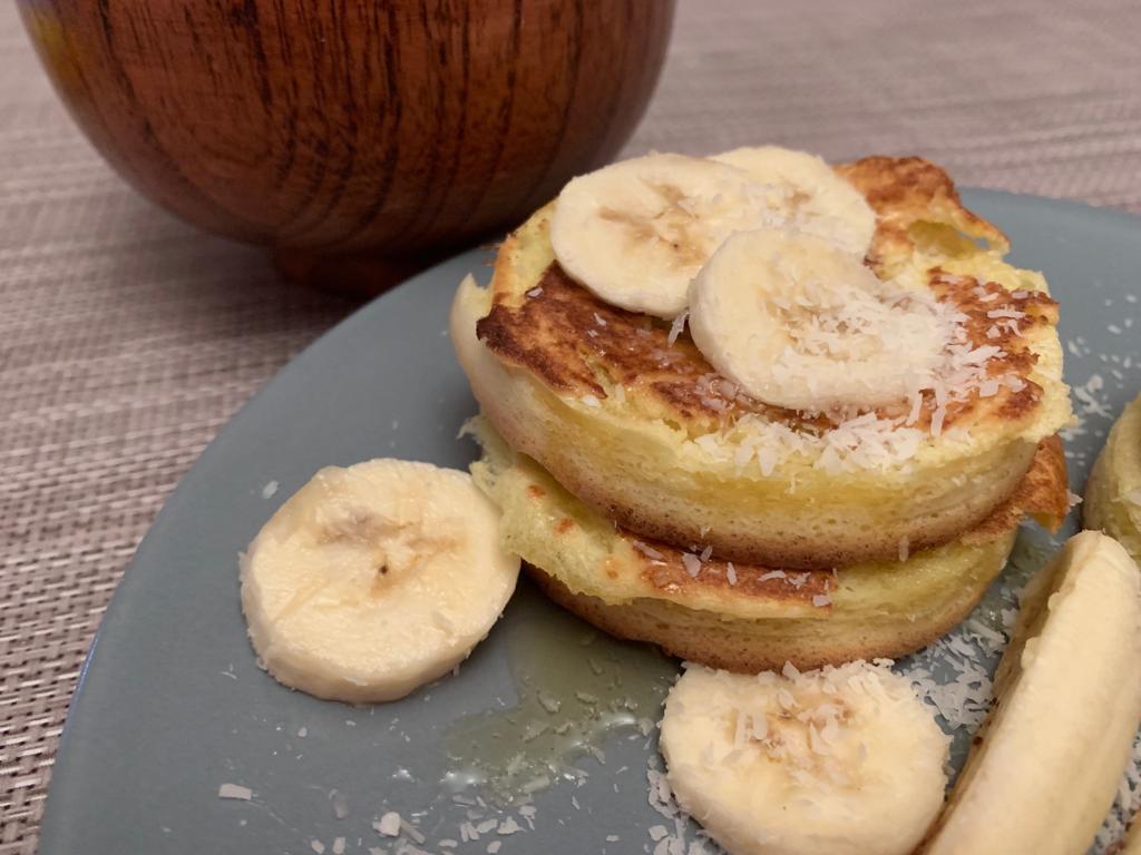pancake con miele e banane