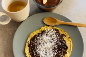 crepe-chetogenica-al-cioccolato-con-budino-chetogenico